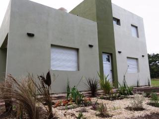 Moderna casa. Ideal 2 personas - Mar de Cobo vacation rentals