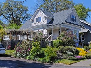Great 4BR Home in Downtown Hood River - Hood River vacation rentals