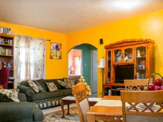 Beautiful, Gated & Cozy Family Getaway - Spanish Town vacation rentals