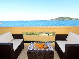 MH0030 Apartments Mirela / Two bedroom apartment A1 - Preko vacation rentals