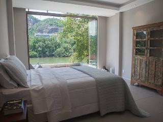 Trendy Suite lake front view at Barra da Tijuca - Rio de Janeiro vacation rentals