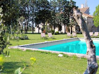 Tarascon Bouches-du-Rhône, magnificent luxury property 20p. private pool - Tarascon vacation rentals