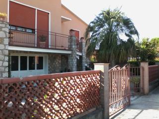 ISOLA D'ELBA.  App. Portoferraio.ELS. - Portoferraio vacation rentals