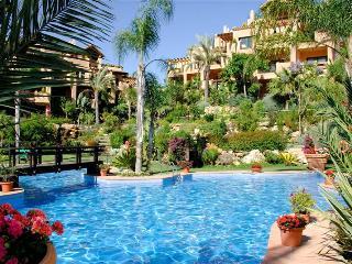 El Campanario modern apartment near Puerto Banus - Marbella vacation rentals