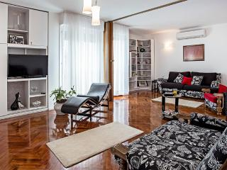 Luxury and Lifestyle Apartment - Split vacation rentals