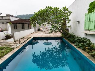 """Apartment on the green"" (suite, kitchen and pool) - Rio de Janeiro vacation rentals"
