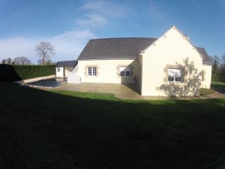 maison a st cast avec piscine - Saint-Cast le Guildo vacation rentals