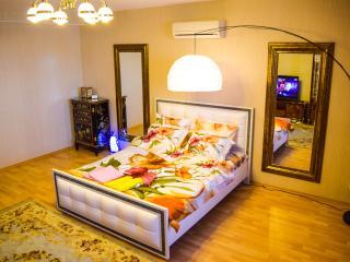 Apartments De Luxe 32 - Novosibirsk vacation rentals