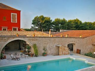 Beautiful Villa with Deck and Internet Access - Terlizzi vacation rentals