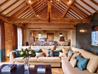 NEW -Fairoaks barns,Four Luxury barns near Ledbury - Ledbury vacation rentals