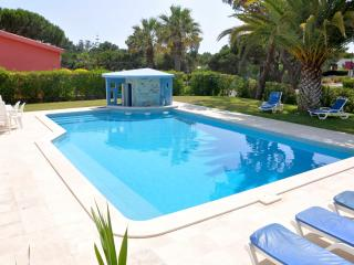 Extra Large 5 bed. villa in the Hilton Hotel area - Vilamoura vacation rentals