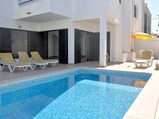 Cozy 3 bed pool villa close to Old Village area - Vilamoura vacation rentals