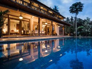 Combine hotel-like amenities with real Bali charm - Ubud vacation rentals