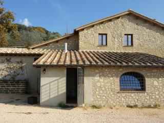 5 bedroom Farmhouse Barn with Shared Outdoor Pool in Montebuono - Montebuono vacation rentals