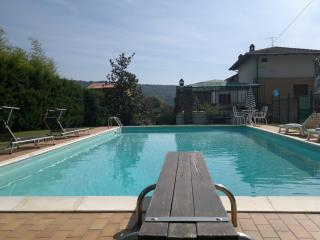 Traditional Tuscan family house with private pool. - Mercatale di Cortona vacation rentals