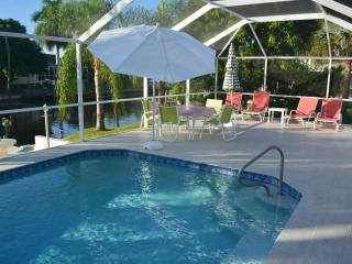 Excellent furnished vacation home on waterfront wi - Cape Coral vacation rentals