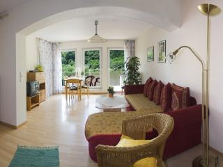 Comfort Appartement an der Mosel FeWo Tibo - Bullay vacation rentals
