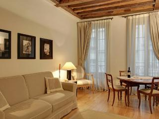 Refined One Bedroom Louvre Museum Saint Honoré II - Paris vacation rentals