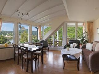 Traumlage mit Mosel Panoramablick FeWo Tibo - Bullay vacation rentals