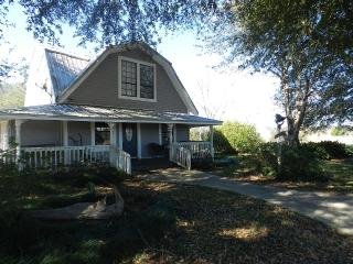 Beautiful 2 bedroom Farmhouse Barn in Silverhill with Internet Access - Silverhill vacation rentals
