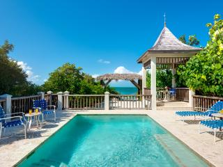 Nice Villa with Internet Access and Shared Outdoor Pool - Providenciales vacation rentals
