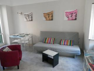 Nice Condo with Internet Access and Iron - Meta vacation rentals