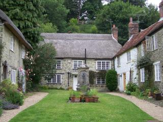 Picturesque Thatched Dorset Country Cottage. - Shaftesbury vacation rentals