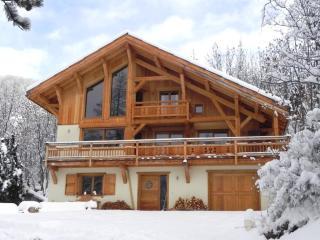 Chalet zen Arch Serre-Chevalier - La Salle les Alpes vacation rentals