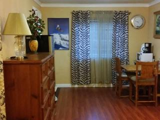 Cozy House with Parking and Washing Machine - Westminster vacation rentals