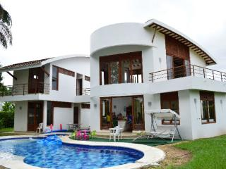Summer house the best climate in Colombia - Carmen de Apicala vacation rentals
