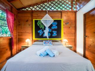Romantic 1 bedroom Puerto Viejo de Talamanca Bungalow with Internet Access - Puerto Viejo de Talamanca vacation rentals