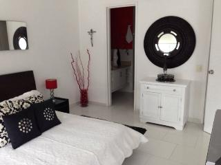 Espectacular Apartamento en la playa  (MR) - Cartagena vacation rentals