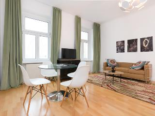 Cosy Studio Apartment 3.27 - Vienna vacation rentals