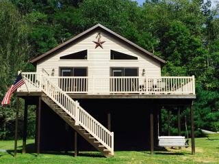 Rustic Charm on the Juniata River, Everett, PA - Kayaks,Pavilion,Firewood,WiFi - Everett vacation rentals