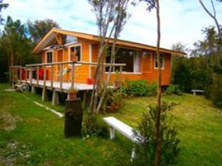 Cabañas Lenca, Carretera Austral - Puerto Montt vacation rentals