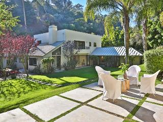 Beautiful 5 bedroom Villa in Beverly Hills with Internet Access - Beverly Hills vacation rentals