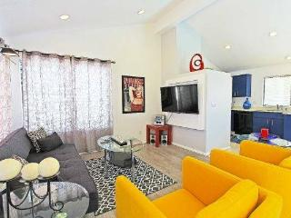Best Rate Around ,Newly Renovated Modern Pool Home - Palm Springs vacation rentals