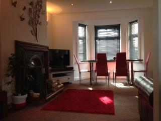 Top floor with sea views and close to harbour - Folkestone vacation rentals