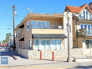 Oceanfront Single Family Home on the Boardwalk ! (68217) - Newport Beach vacation rentals