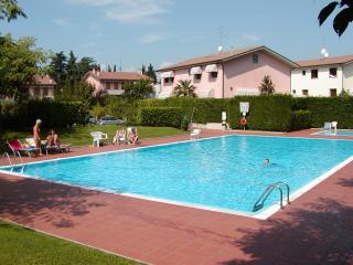 Nice Condo with A/C and Shared Outdoor Pool - Lazise vacation rentals