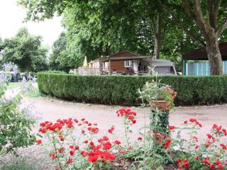 Mooi chalet op leuke camping in Etang sur Arroux 2 - Etang-sur-Arroux vacation rentals