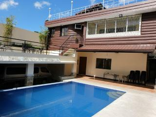 Bright 4 bedroom Tagaytay House with Internet Access - Tagaytay vacation rentals