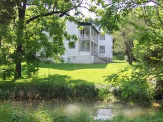 Convenient House with Housekeeping Included and Television - Buchanan vacation rentals