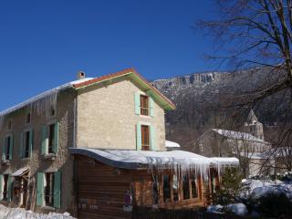 Chambres d'hôtes de caractère en Vercors - Leoncel vacation rentals