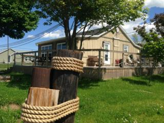 Nice Cottage with Internet Access and A/C - Shediac vacation rentals