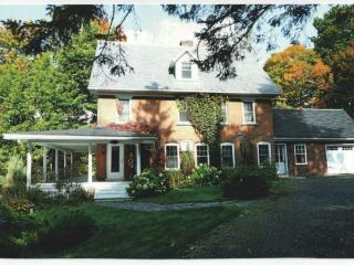 Charming 5 bedroom North Hatley House with Internet Access - North Hatley vacation rentals
