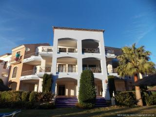 Beautiful 3 Bedroom Penthouse Los Arqueros R118 - Benahavis vacation rentals
