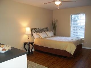 Weekly rental - Fully furnished & all utilties - Crestview vacation rentals