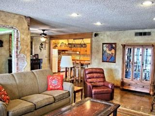 Southwest Style in Prime Location - Phoenix vacation rentals