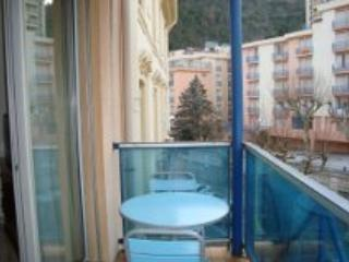 flat with balcony in  spa town below the Pyrenees - Amelie-les-Bains-Palalda vacation rentals